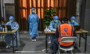 Trung Quốc triệt phá đường dây làm vaccine COVID-19 giả bằng nước muối