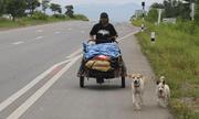 Đi bộ hơn 1500km để hoàn thành tâm nguyện của bạn gái, chàng trai khiến ai nấy cảm động rơi nước mắt