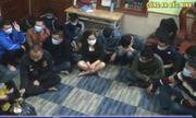 Bắt quả tang 18 con bạc sát phạt trên sới bạc ở Bắc Ninh: Người cầm xóc cái là ai?