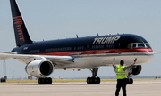Máy bay tư nhân Boeing 757 của ông Trump \