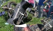 Tin tai nạn giao thông ngày 30/4/2021: Xe máy tông cột điện, tài xế tử vong