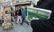 Charlie Hebdo đăng ảnh châm biếm Giáo hoàng, chính khách