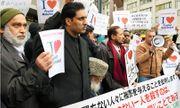 Biểu tình phản đối sách Nhật in tranh biếm họa Mohammed