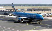 Máy bay Vietnam Airlines hạ cánh gấp vì phi công ấn nhầm nút không tặc?