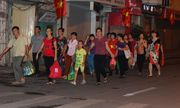 Người dân các tỉnh ùn ùn kéo về Hà Nội mừng 70 năm Quốc khánh