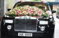 Thế giới Xe - Rolls-Royce Phantom biển độc làm xe hoa trên phố Hà Nội