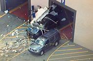 Thị trường - Ôtô gây tai nạn ở buổi đấu giá, 3 người tử vong