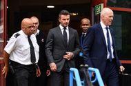 Bóng đá - David Beckham bị treo bằng 6 tháng vì dùng điện thoại khi lái xe