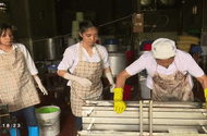 Xã hội - Làm đậu phụ ở làng chài - Võng La: Nghề truyền thống, giúp dân làm giàu
