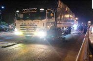 Tin trong nước - Va chạm kinh hoàng với xe tải trong đêm, hai vợ chồng tử vong thương tâm