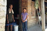 Giáo dục pháp luật - Diễn biến mới nhất vụ nữ sinh quỳ gối khóc van xin thi lại môn Văn ở Quảng Bình