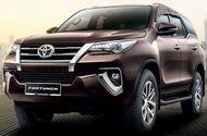 Ôtô - Xe máy - Toyota Fortuner sắp được trang bị màn hình cảm ứng mới tích hợp Apple CarPlay và Android Auto
