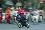Pháp luật - Xe máy chạy quá tốc độ cho phép từ 20 km/h trở lên bị phạt bao nhiêu tiền?