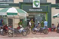 Pháp luật - Khởi tố cựu cán bộ công an nổ súng tại ngân hàng tội Cướp tài sản