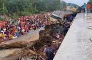 Tin thế giới - Hai tàu hỏa đâm nhau kinh hoàng, ít nhất 16 người thiệt mạng