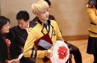 Giải trí - Ngắm loạt ảnh sao Hàn gây náo loạn trường học: Mặc đồng phục mà như đi event, thảm đỏ