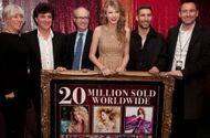 Giải trí - Tin tức giải trí mới nhất ngày 16/11: Hãng đĩa cũ phủ nhận, tố ngược Taylor Swift nợ hàng triệu USD