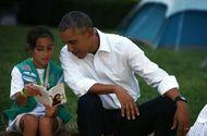 """Giáo dục pháp luật - 19 cuốn sách """"gối đầu giường"""" của cựu Tổng thống Barack Obama khiến chúng ta sống chậm lại"""