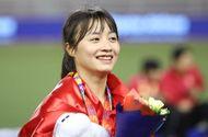 Báo Thái Lan bất ngờ xếp Hoàng Thị Loan vào Top 10 nữ cầu thủ xinh đẹp nhất châu Á