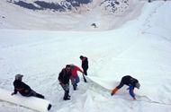 Video-Hot - Video: Italy phủ bạt ngăn sông băng tan chảy