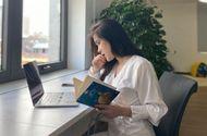 """Giáo dục pháp luật - Nữ sinh gây sốt với ảnh chụp lén trong thư viện, nhan sắc đời thường còn """"ngây ngất"""" hơn"""
