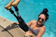 Cộng đồng mạng - Mất 2 chi dưới gối, cô gái gốc Việt vẫn trở thành vận động viên bơi lội ở Mỹ