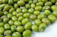 Sức khoẻ - Làm đẹp - Tác hại khôn lường của việc ăn đậu xanh sai cách, nhiều người đang mắc phải