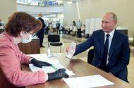 Tin thế giới - Người dân Nga ủng hộ sửa đổi hiến pháp, mở đường cho Tổng thống Putin nắm quyền tới năm 2036