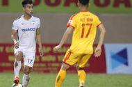 """Bóng đá - Bố nguy kịch vì bạo bệnh, Văn Thanh nén lo âu vẫn """"chiến đấu"""" vì đội bóng"""