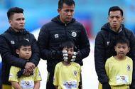 Bóng đá - Ban tổ chức Siêu Cúp Quốc gia xin lỗi về sự cố để các em mặc phong phanh giữa thời tiết giá buốt