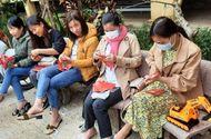 Chuyện học đường - Người thầy mang lì xì bất ngờ đến 4.300 học sinh dân tộc thiểu số tại Nam Trà My