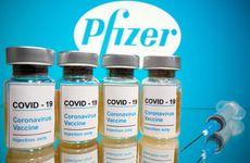 Mỹ phê duyệt mũi tiêm vaccine ngừa COVID-19 Pfizer thứ 3 đối với nhóm người lớn tuổi