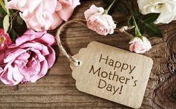 """- Những lời chúc, món quà yêu thương của sao Việt trong """"ngày của mẹ"""""""