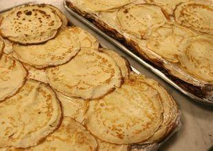 Điều tra nhóm học sinh trộn nước tiểu, dịch lạ vào bánh rồi cho giáo viên ăn