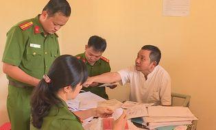 """An ninh - Hình sự - Tin mới nhất vụ thanh tra sở Nội vụ Đắk Lắk bị bắt vì nghi """"vòi tiền"""" nhân viên trường học"""
