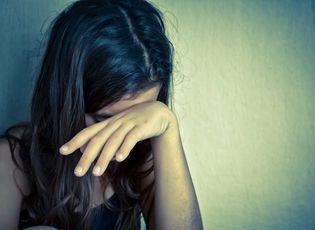 Pháp luật - Hưng Yên: Điều tra vụ bé gái bị người đàn ông lạ mặt dâm ô ngay tại nhà riêng