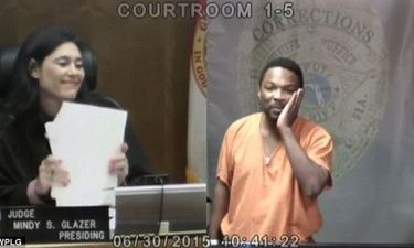Tâm sự gỡ rối - Người đàn ông ra hầu tòa, nữ thẩm phán nói một câu khiến anh ta khóc nức nở, quyết làm lại cuộc đời