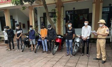 An ninh - Hình sự - Xử phạt 11 thanh niên tụ tập đua xe trái phép ở Nghệ An