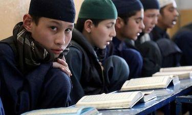 Chuyện học đường - Taliban mở cửa lại trường trung học, chỉ cho nam sinh đến trường