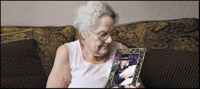 Hai mẹ con người Ý đoàn tụ sau 71 năm thất lạc - ảnh 1