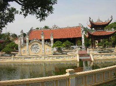 Những biệt thự, siêu xe dát vàng đắt đỏ bậc nhất Việt Nam - ảnh 1