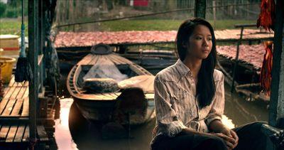 Lần đầu đóng phim kinh dị, Suboi bị đánh bầm dập  - ảnh 1