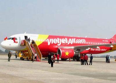 Hành hung nhân viên hàng không, hành khách bị phạt 7,5 triệu đồng - ảnh 1