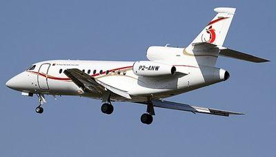 Máy bay va chạm cần cẩu ở Bahamas, 9 người thiệt mạng - ảnh 1