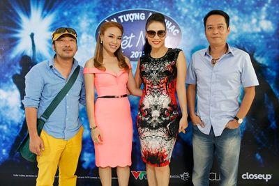 """Ca sĩ Thu Minh chính thức ngồi """"ghế nóng"""" Vietnam Idol 2015 - ảnh 1"""