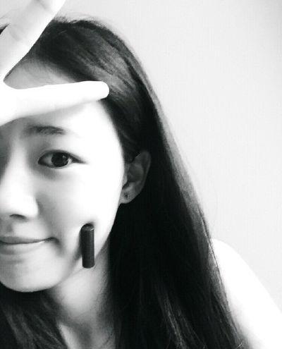 """Giới trẻ Trung Quốc """"phát cuồng"""" với trào lưu khoe má lúm - ảnh 1"""