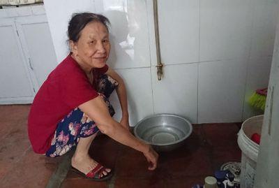 Hà Nội: Nhiều điểm thiếu nước sạch vì nước sông Đà giảm áp lực - ảnh 1