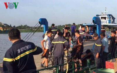 Vụ xà lan đâm chìm tàu chở cát: Người lái xà lan không có giấy phép lái tàu - ảnh 1