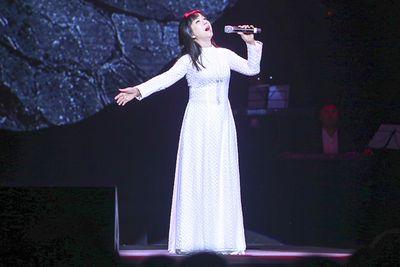 Khánh Ly càng hát càng tình và xúc cảm - ảnh 1