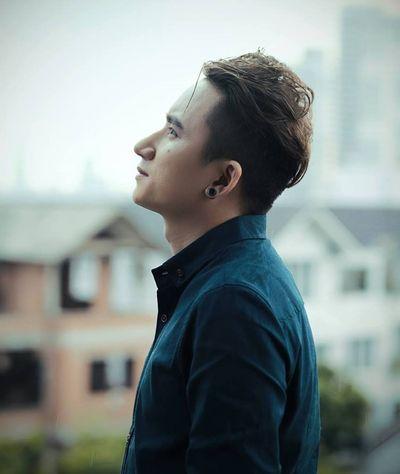 """Phan Mạnh Quỳnh: """"Ai cũng có thể nói tôi quê mùa, nhưng nhạc của tôi thì không"""" - ảnh 1"""